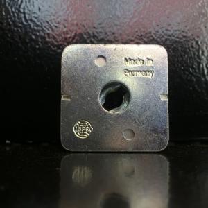 Быстрый зажим MPC тип S с внутренней резьбой M8 для м/профиля 38/24 и 40/120 MUPRO